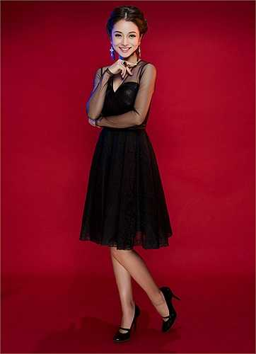 Sắc đẹp, tài năng và cả phong cách thời trang đã giúp cho Jennifer Phạm trở thành đại sứ của rất nhiều thương hiệu.