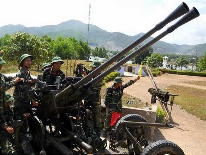 Đóng vai trò quan trọng trong nhiệm vụ phòng không hiện nay của Việt Nam là các khẩu pháo 37 mm.