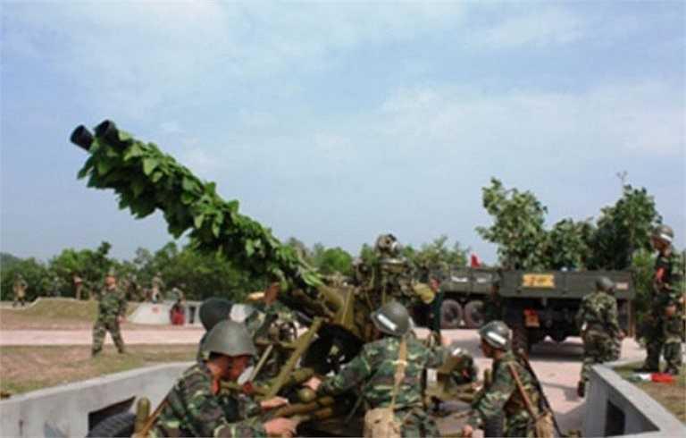 Để tăng khả năng chiến đấu, vừa qua Viện Tự động hóa Kỹ thuật Quân sự đã cải tiến trang bị cho các khẩu pháo 37 mm khí tài đánh đêm bán tự động.
