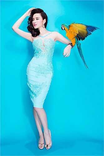 Angela Phương Trinh xinh đẹp, quyến rũ trong những thiết kế mới.