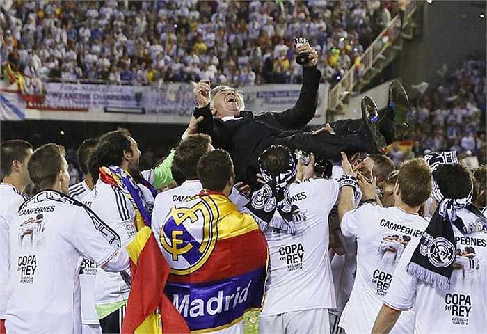 HLV Carlo Ancelotti tiếp tục duy trì được sự thành công trong năm đầu tiên tới Tây Ban Nha