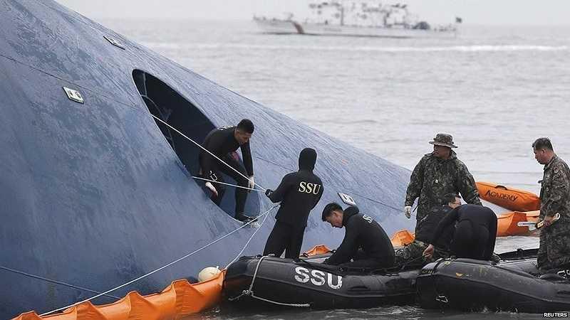 Hàn Quốc nói họ sẽ sử dụng mọi lực lượng, phương tiện để tìm kiếm nạn nhân vụ chìm phà