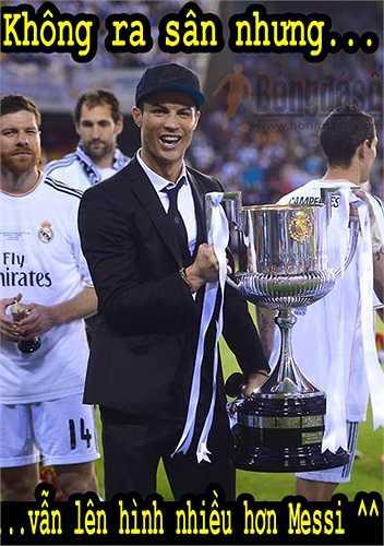 Ronaldo vẫn biết cách tỏa sáng dù không ra sân