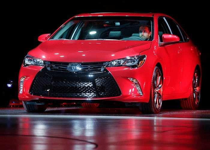 Camry, dòng xe quan trọng nhất năm của Toyota tại thị trường Mỹ vừa được vén màn với một diện mạo hoàn toàn mới.