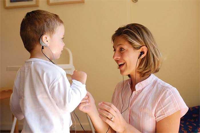 Nhà thính học: Giúp chẩn đoán và điều trị khả năng nghe của bệnh nhân bằng cách tìm hiểu các yếu tố liên quan đến thính giác là công việc ít căng thẳng nhất hiện nay. Một nhà thính học phải có trình độ tiến sĩ.
