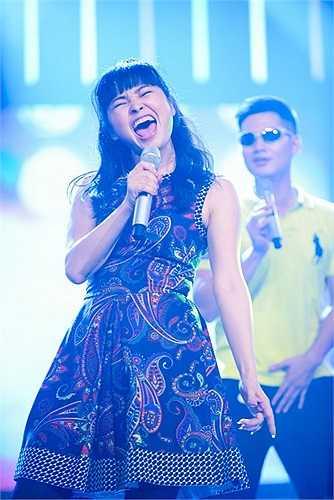 Ngoài rock, Trang Nhung còn hát R&B, dance, bán cổ điển, pop...