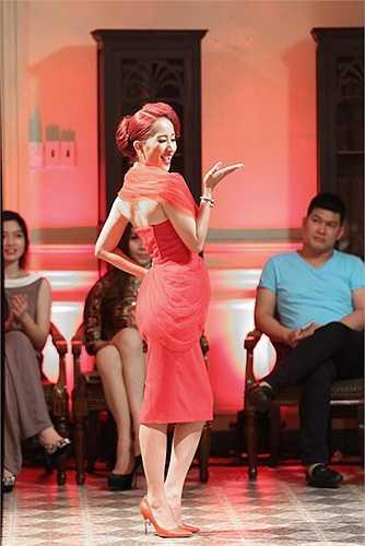 Khánh Thi đã nhận lời biểu diễn mở màn cho NTK Tăng Thành Công.