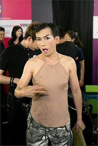 Minh Thuận đã lột tả được xuất sắc những nét đẹp trong bài hát như tâm trạng cô đơn của cô gái.