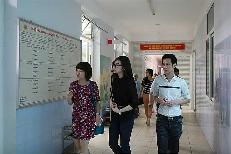 Đồng hành cùng hai người còn có nhà đầu tư Lưu Nga của chương trình 'Ngôi sao thiết kế thời trang'.