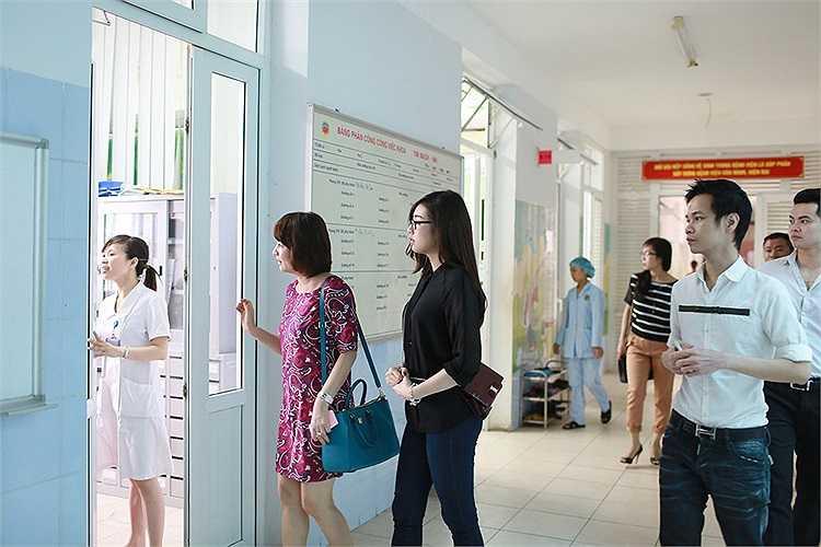 Ba người đã đến Trung tâm tim mạch bệnh viện E Hà Nội.