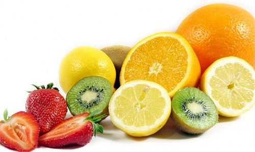 Thói quen ăn uống của cha mẹ: trẻ thường có bắt chước người lớn. Vì vậy, nếu mẹ mong muốn con ăn nhiều rau và hoa quả thì chính mẹ phải là người thường xuyên ăn các loại thực phẩm này.