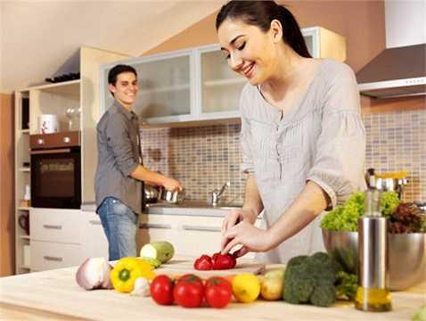 Thay đổi món ăn cho trẻ: cho trẻ được thay đổi khẩu vị thường xuyên, cần chú ý nhu cầu dinh dưỡng hợp lý của trẻ.