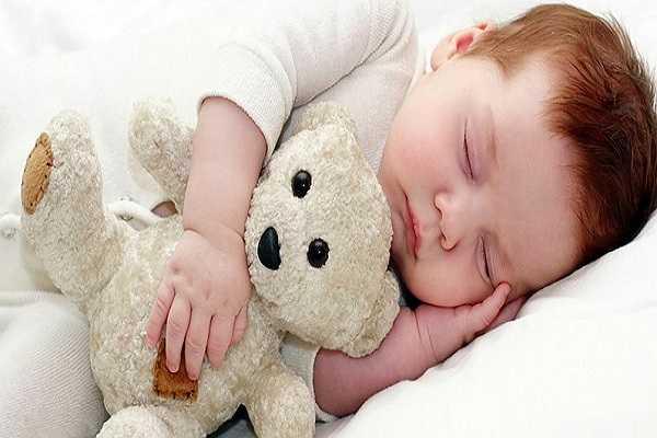 Chuyên gia của giấc ngủ: Bạn phải để ý đến các tín hiệu buồn ngủ của bé. Khi thấy bé mệt mỏi thì bạn phải cho bé đi ngủ càng sớm càng tốt bởi những lúc này bé sẽ đi vào giấc ngủ rất dễ dàng và ngủ ngoan hơn.