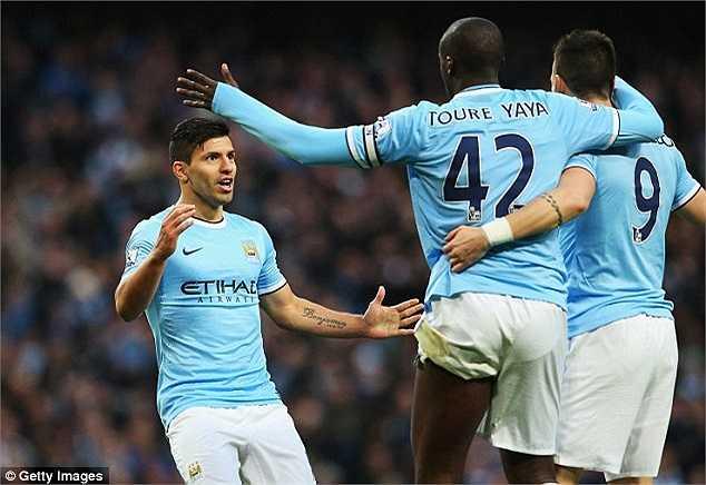 Thiếu Aguero, Yaya Toure, Man City đánh rơi những điểm số quan trọng trong cuộc đua tới ngôi vô địch.