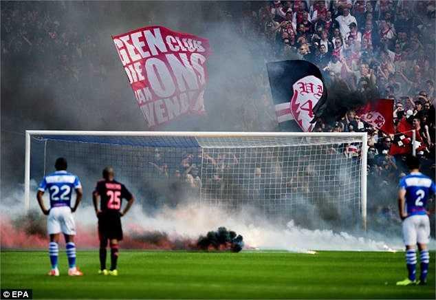 Kết quả, Ajax để thua bất ngờ 1-5