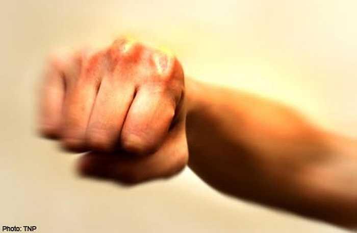 Bạo hành là một vấn đề đang nhức nhối tại nhiều quốc gia. Tình trạng bạo hành có thể xuất hiện theo nhiều hình thức khác nhau.