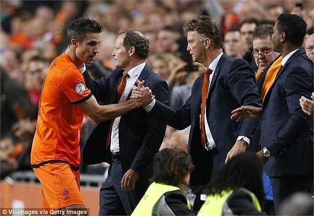Khi Van Gaal còn dẫn dắt ĐT Hà Lan, Van Persie luôn được trọng dụng tối đa