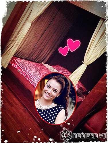 Hồng Quế với phòng ngủ thiên về các gam màu nóng bỏng.