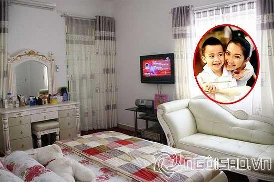 Kim Hiền với phòng ngủ rất thoáng đãng.