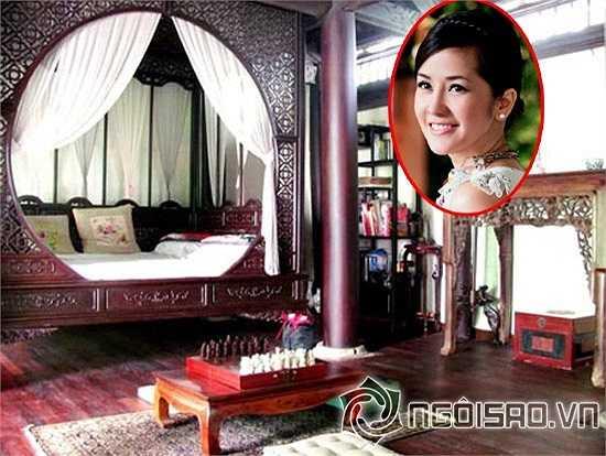 Diva Hồng Nhung có phòng ngủ rất độc đáo, vừa mang nét huyền bí lại lịch sự.
