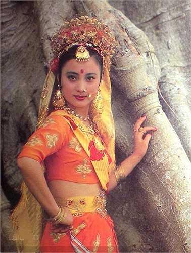 Lý Linh Ngọc (sinh năm 1963) vai Ngọc Thố Tinh (Thỏ Ngọc trốn xuống trần làm loạn). Ngoài ra, cô thủ vai công chúa Thiên Trúc.