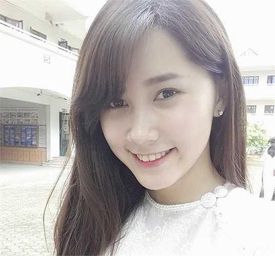 Được biết đến trong cuộc thi Miss Teen 2012 nhưng Đào Phuong Thảo - nữ sinh trường THPT Phương Nam không thực sự để lại ấn tượng. (Ảnh: FBNV)