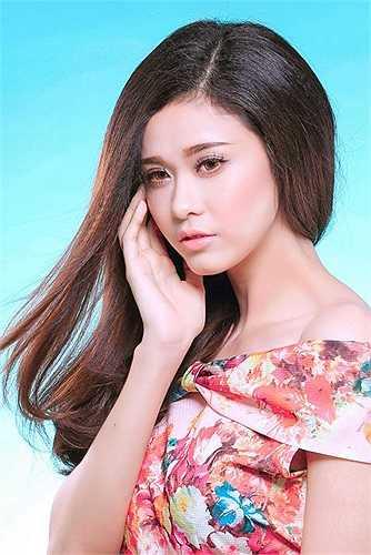 Về cuộc sống gia đình, Trương Quỳnh Anh cho biết, cô rất thoải mái khi mọi người trong gia đình đều ủng hộ và tạo mọi điều kiện để cho Trương Quỳnh Anh trở lại với showbiz sau một thời gian quá dài chăm sóc gia đình nhỏ.