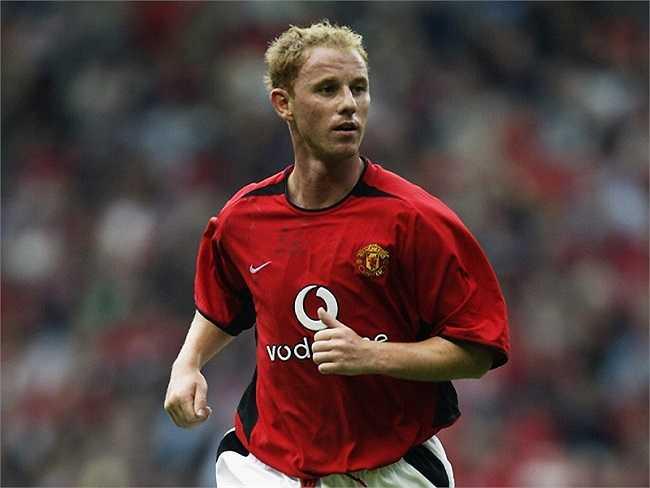Nicky Butt - Tiền vệ dữ dằn này đã gây ấn tượng trong vai trò huấn luyện tại Old Trafford nhưng  không được Louis van Gaal giữ lại .