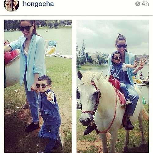 Cuối tháng 4 vừa qua, nhân dịp đến Đà Lạt quay MV mới, Hồ Ngọc Hà mang theo con trai Subeo đi. Tại đây, hai mẹ con nữ ca sĩ rủ nhau cưỡi ngựa đi chơi ở Hồ Xuân Hương. Subeo tự tin tạo dáng giơ tay chữ V bắt chước mẹ.