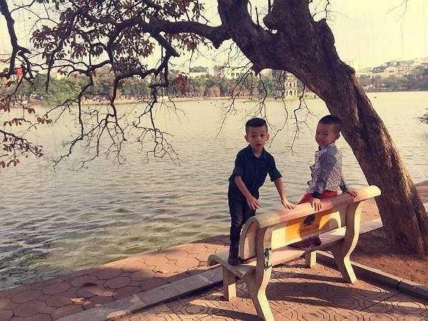 Tháng 2 đầu năm nay, gia đình nữ ca sĩ Tìm lại giấc mơ có dịp ra Hà Nội du xuân dịp Tết. Được bố mẹ dẫn tới quán café và tham quan Hồ Gươm, Subeo tỏ ra khá thích thú. Trước đó trong dịp Giáng sinh 2013, Subeo cũng được mẹ cho ra Hà Nội.