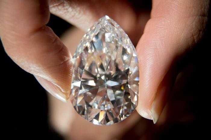 Phần lớn kim cương xám chứa một lượng lớn hydro - một thành phần của tạp chất trong kim cương.