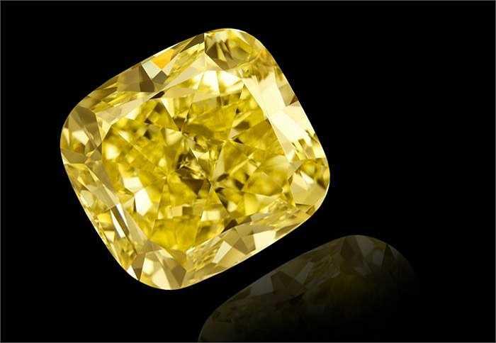 Cho tới cuối những năm 1990, nhu cầu dành cho kim cương vàng vẫn khá hạn chế.