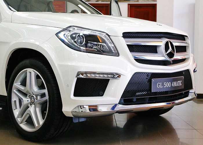 Hệ thống an toàn trên xe bao hiện đại và phong phú với hệ thống tự động bảo vệ Pre-safe, hệ thống chống trượt khi tăng tốc ASR, hệ thống ABS và hỗ trợ lực phanh khẩn cấp, hệ thống dẫn động 4 bánh 4Matic với khả năng kiểm soát độ bám đường, hỗ trợ xuống dốc DSR...