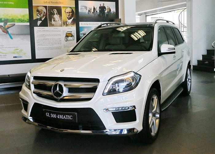 Xe của Lệ Quyên có màu sơn trắng ở ngoại thất kết hợp cùng tông màu beige ở nội thất.