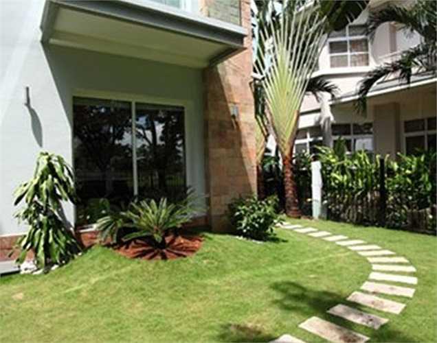 Phi Thanh Vân cùng chồng cũ từng sống trong một căn biệt thự tại khu Nam Sài Gòn, Phú Mỹ Hưng, quận 7, TP HCM.