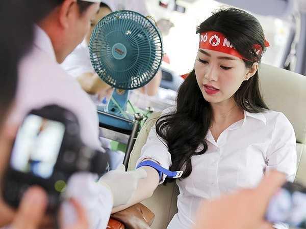 So với Thùy Dung và Diễm Hương, Thu Thảo nhanh chóng lấy lại được cảm tình từ công chúng nhờ những hoạt động từ thiện và hình ảnh sạch sẽ không scandal sau khi đăng quang.