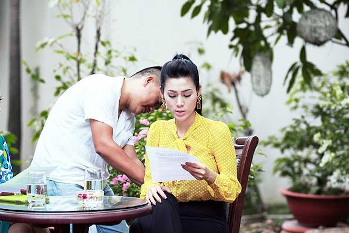 Theo như tiết lộ của Đinh Phương Ánh thì cô đã từng áp dụng nhiều phương pháp ngay cả việc dùng thuốc nhưng đều thấy hiệu qủa không cao trong việc giảm cân mà còn ảnh hưởng sức khỏe.