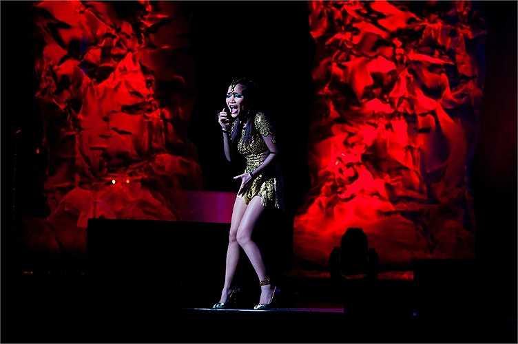 Có thể ví cô như một Đàm Vĩnh Hưng phiên bản nữ nữ ở khả năng biến hóa đa dạng trong âm nhạc và sức hút lớn với công chúng.