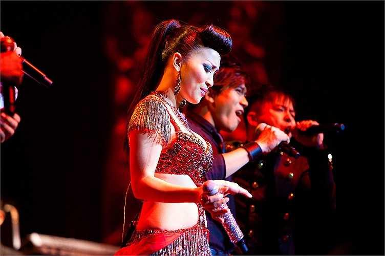 Hiện nay, cô là một trong những giọng hát đắt sô nhất tại thị trường ca nhạc hải ngoại, với những tour diễn liên tục, kéo dài qua nhiều thành phố tại Mỹ và nhiều nước khác.
