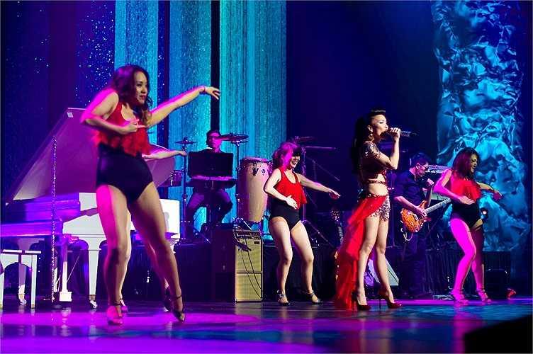 Những bài hát hay nhất gắn liền với tên tuổi Hồng Ngọc cùng những tiết mục bất ngờ chưa từng có sẽ được Hồng Ngọc giới thiệu trong một đêm diễn mang đầy tinh thần bè bạn