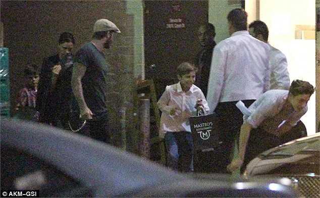 Gia đình Beckham rất hạnh phúc và thường xuyên tham gia các hoạt động xã hội