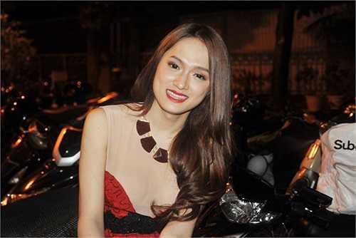 Ngắm những bộ ảnh 'nóng bỏng mắt' của Hương Giang Idol.