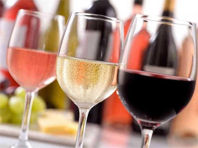 Một nghiên cứu thực hiện vào năm 2008 tại Trường đại học Washington (Mỹ) cho thấy những người đàn ông tỉnh táo duy trì sự cương cứng tốt hơn so với những người say bí tỉ vì rượu.