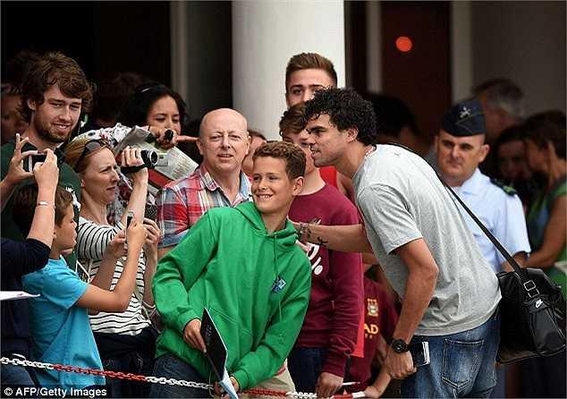 Pepe cũng đã tập trung cùng ĐT Bồ Đào Nha sau những ngày nghỉ được cho thêm vì kết thúc mùa giải muộn hơn các đồng đội khác