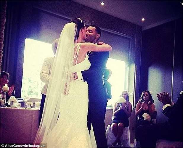 Hình ảnh lễ cưới vào tuần trước được Pennant chia sẻ trên Instagram