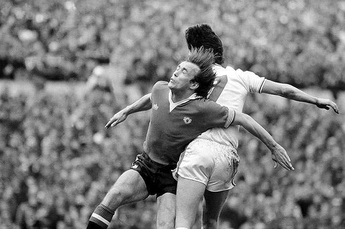Sammy McIlroy (Bắc Ireland) - 88 lần