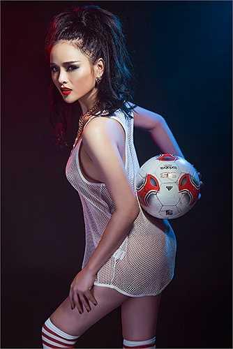 Hoa khôi cho biết bản thân rất thích chơi thể thao và xem đó nhưng một phương pháp hiệu quả để duy trì vẻ đẹp cơ thể. Ngoài ra cô còn là một fan trung thành của bóng đá dù không biết đá bóng.
