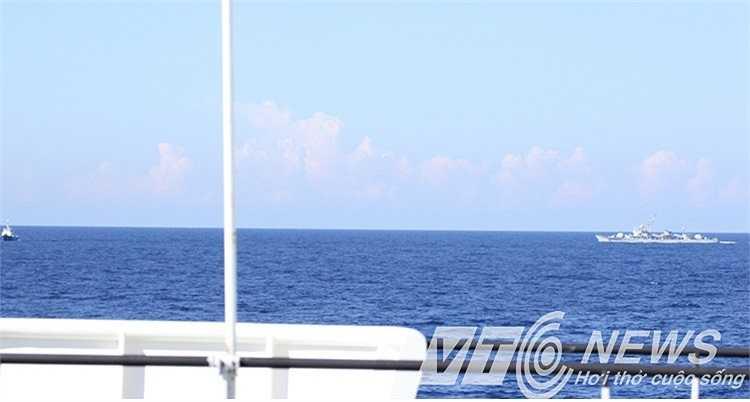 Tàu chấp pháp Việt Nam thường xuyên bị các tàu Trung Quốc gây hấn, vây ép.
