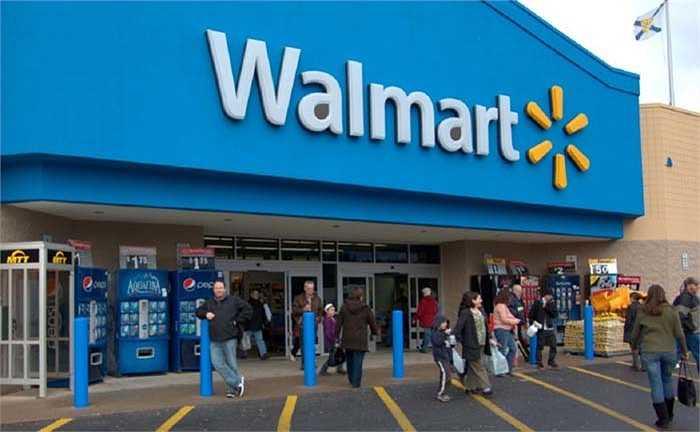 Walmart – 131,9 tỷ USD: Mặc dù đã giảm 6% so với năm ngoái, nhưng với doanh thu lên đến 131,9 tỷ USD và 2 triệu nhân công Walmart xứng đáng là gã khổng lồ của thị trường bán lẻ.