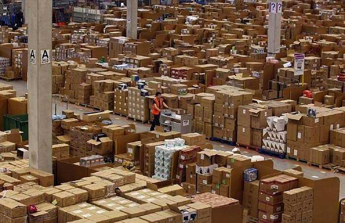 Amazon – 23,6 tỷ USD: Amazon là hãng bán lẻ trực tuyến lớn nhất thế giới hiện nay. Mặt hàng cung ứng cho thị trường đa dạng là một trong những lý do chính dẫn đến thành công của Amazon.